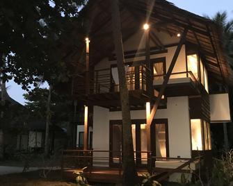 Siargao Island Villas - General Luna - Gebouw