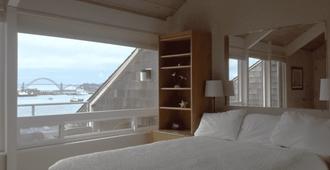 Embarcadero Resort Hotel & Marina - Newport - Schlafzimmer