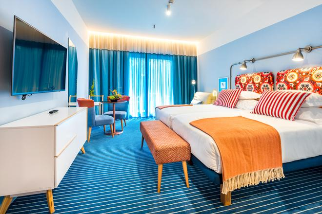Pestana Casino Studios - Funchal - Bedroom