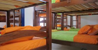 Hostal La Petite House - Cali - Bedroom