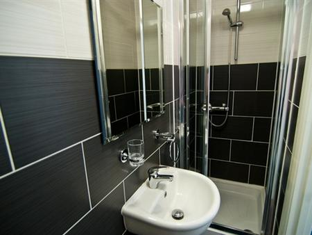 The Comfotel - London - Bathroom
