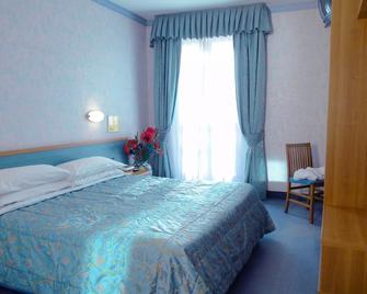 Hotel Sole - Limone - Limone sul Garda - Bedroom