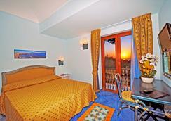 麥格酒店 - 卡薩米喬拉特爾梅 - 卡薩米喬拉泰爾梅 - 臥室