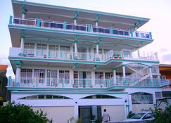 Orient Guesthouse Auberge - Mahébourg - Building