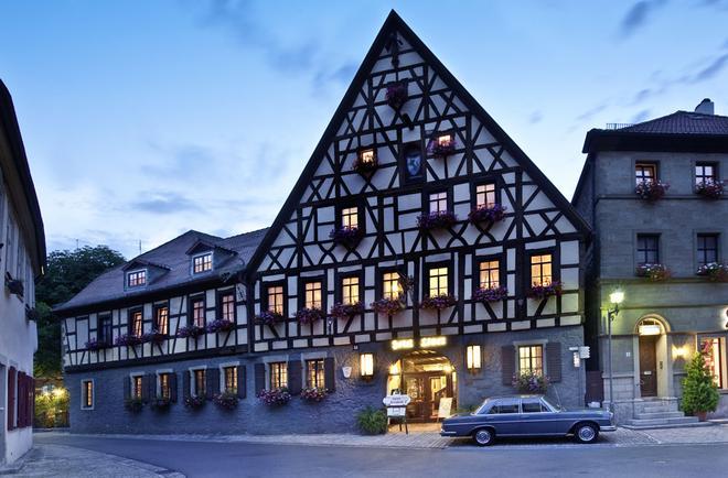 Lowen Hotel & Restaurant - Marktbreit - Building