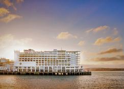 Hilton Auckland - Auckland - Building