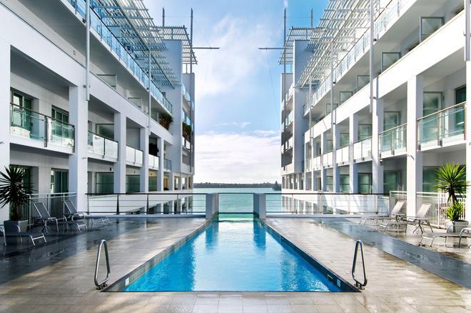Hilton Auckland - Auckland - Pool
