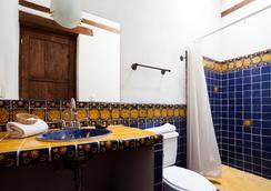 波薩達尤里胡安尼酒店 - 巴卦羅 - 帕茲庫阿洛 - 浴室