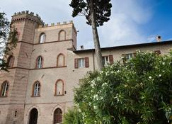 Castello Montegiove - Fano - Rakennus