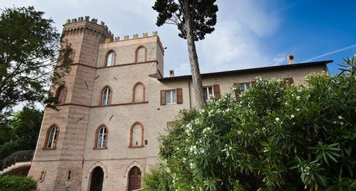 Castello Montegiove - Fano - Gebäude