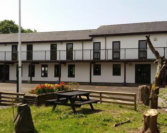 Basecamp Wales - Caernarfon - Gebouw