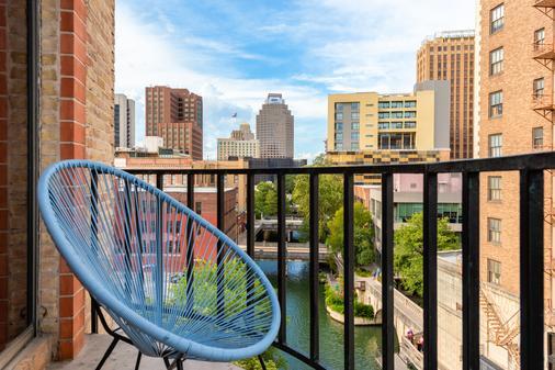 Riverwalk Plaza Hotel - San Antonio - Parveke