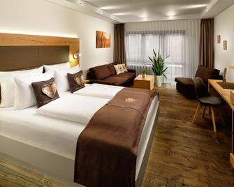 Neo Hotel Linde Eßlingen - Esslingen am Neckar - Bedroom