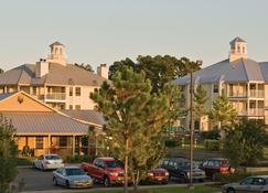 Holiday Inn Club Vacations Piney Shores Resort - Conroe - Building