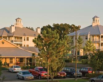Holiday Inn Club Vacations Piney Shores Resort - Conroe - Building