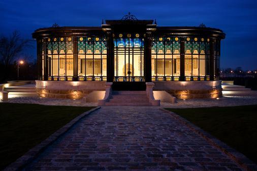 Château Pape Clément - Bernard Magrez Luxury Wine Experience - Pessac - Building