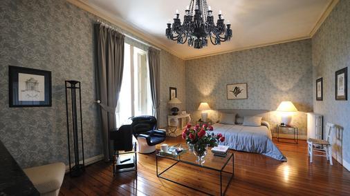 Château Pape Clément - Bernard Magrez Luxury Wine Experience - Pessac - Bedroom