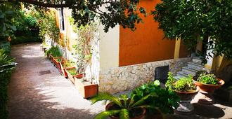 Naples Experience Hostel - נאפולי - נוף חיצוני