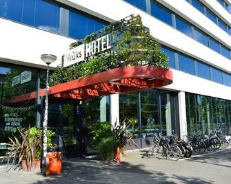 Volkshotel - Amsterdam - Building