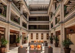 The Mayfair at Coconut Grove - Miami - Lobby