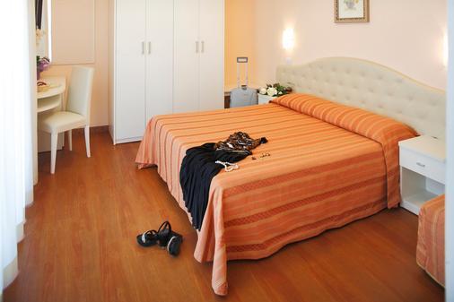 Hotel Plaza - Milano Marittima - Bedroom