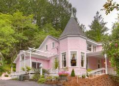 The Pink Mansion - Calistoga - Edifício
