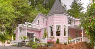 The Pink Mansion - Calistoga - Toà nhà