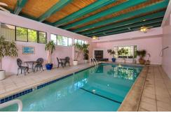 The Pink Mansion - Calistoga - Uima-allas