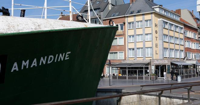Hotel du Bassin - Ostend - Building