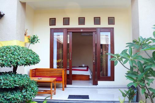 Citrus Tree Rooms - Shana - Ubud - Balcony