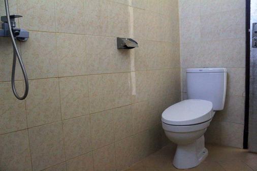 Citrus Tree Rooms - Shana - Ubud - Bathroom