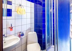 Post House Hostel - Lviv - Bathroom