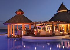 Secrets St. James Montego Bay - Adults Only Unlimited Luxury - Монтего-Бей - Бар