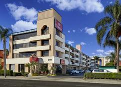 Ramada by Wyndham Anaheim Convention Center - Anaheim - Building