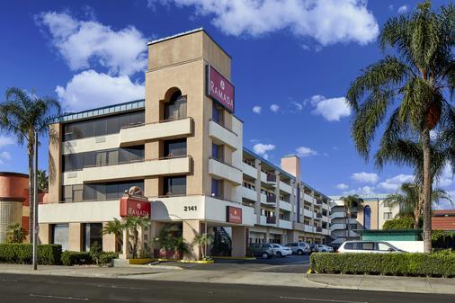 Ramada by Wyndham, Anaheim Convention Center - Anaheim - Building