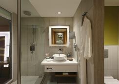 欽奈西普克特諾富特酒店- 雅高集團品牌 - 清奈 - 浴室