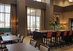 Hampton Inn by Hilton Wichita Northwest - Wichita - Lobby
