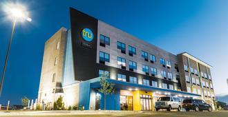 Tru by Hilton Cedar Rapids Westdale - סידר ראפידס