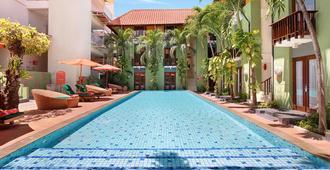 Harris Hotel Tuban - Kuta