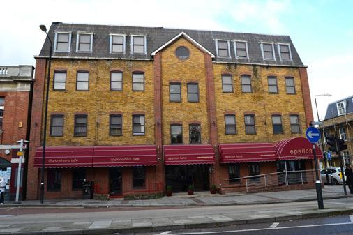 OYO Epsilon Hotel Stratford - London - Building