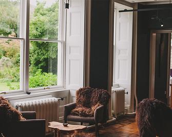 Ynyshir Restaurant and Rooms - Machynlleth - Lobby