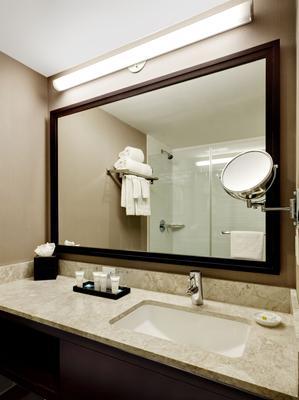 Distrikt Hotel New York City, Tapestry Collection by Hilton - New York - Bathroom