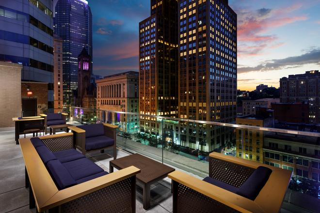 Distrikt Hotel Pittsburgh, Curio Collection by Hilton - Pittsburgh - Parveke