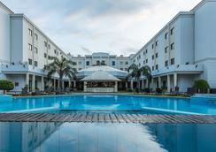Vip Grand Maputo - Maputo - Bể bơi