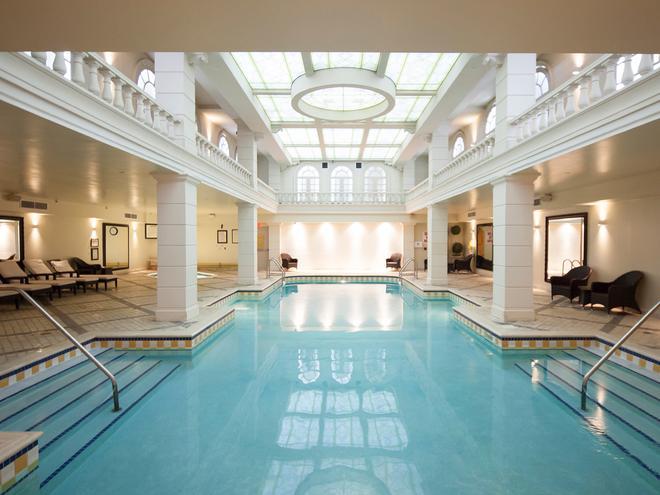 Grand Hotel & Suites - Торонто - Холл