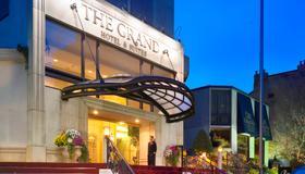 Grand Hotel & Suites - Toronto - Toà nhà