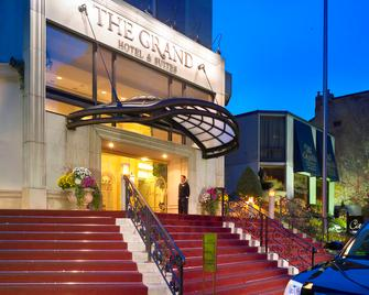 Grand Hotel & Suites - Toronto - Building