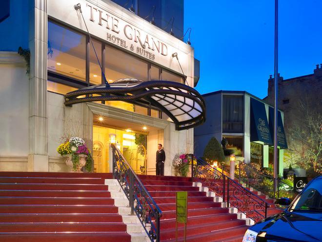 Grand Hotel & Suites - Торонто - Здание