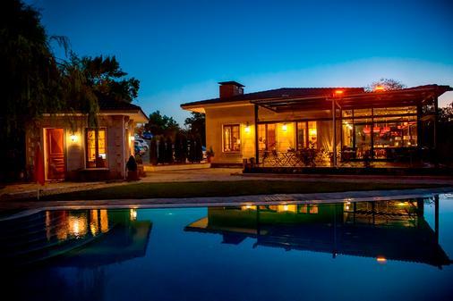 維尼波亞瓜旅館 - 希勒 - 賽爾 - 游泳池