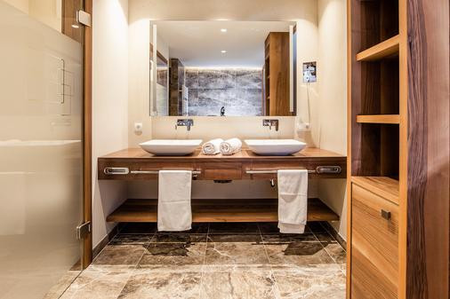 Hotel Prokulus - Naturno - Bathroom